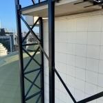 Staalconstructie op dak